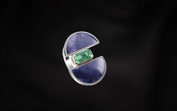 Anell plata, or, safir i turmalina