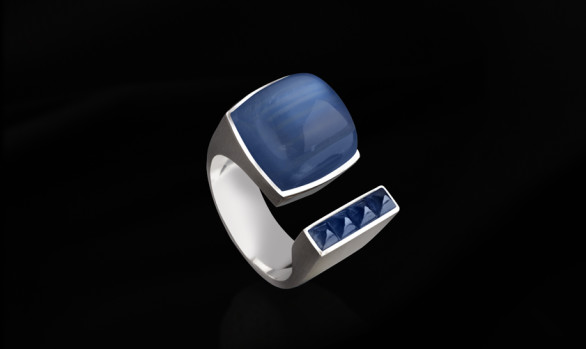 White gold, moonstone and sapphire ring