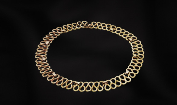 Curves gold necklace